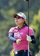 女子ゴルフ勝、成田、永峰が首位