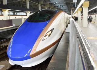 仙台行き北陸新幹線が出発