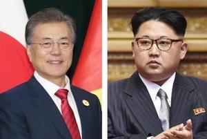 韓国の文在寅大統領(聯合=共同)、北朝鮮の金正恩朝鮮労働党委員長(右)