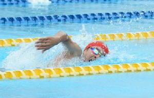 男子100㍍自由形 58秒46の県学童新で優勝した寺川琉之介(ビート伊万里)=佐賀市の県水泳場