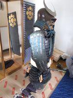 レスキュー事業で発見され、旧家臣が預かっていたとされる細川宣紀の甲冑「黒革紺糸威胴丸」=太宰府市の九州国立博物館(提供写真)