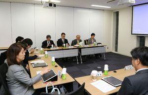 大阪大の「特定認定再生医療等委員会」=28日午後、大阪府吹田市