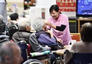 外国人介護職員増へ補助金
