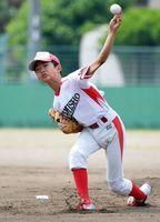 3回戦・西田町少年-上峰少年 力投する上峰少年の先発岡部修弥=大町町民グラウンド