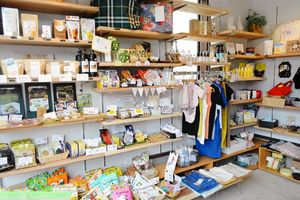 改装された「ポコ・ア・ボッコ いいものSHOP」の店内=佐賀市水ヶ江