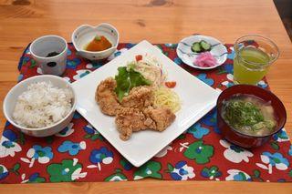 おてんとの「鶏の唐揚げ定食」
