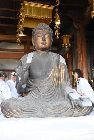運慶作の釈迦如来坐像など2体、104年ぶりに修復 吉野ヶ里町・東妙寺