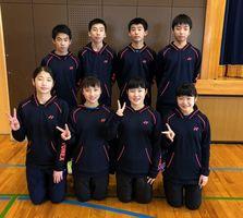 決勝トーナメント進出を目指す佐賀県チームの選手たち