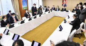 党本部で開かれた自民党の政調審議会=19日午前、東京・永田町