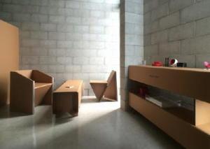Danbaul×Styleの椅子、ソファなど。構造の簡素化を極限まで追及している