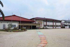 老朽化などに伴い、公立と民間の2園に分園される基山町立保育所=基山町宮浦