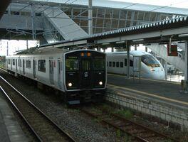 JRの普通列車と特急