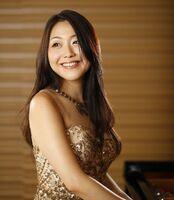 東与賀文化ホールでリサイタルを開くピアニストの岡田奏さん(c)Kazashito akamura