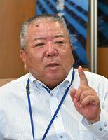 佐賀空港への自衛隊オスプレイ配備計画で、判断材料が不十分との認識を示した佐賀県有明海漁協の西久保敏組合長=佐賀市の漁協本所