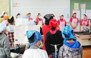子どもたちに料理教室も開いている嬉野市食生活改善推進協議会の皆さん