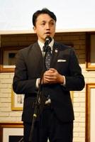あいさつする山田健一郎理事長=佐賀市のザ・ゼニス