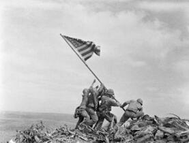 硫黄島の星条旗写真で人違い
