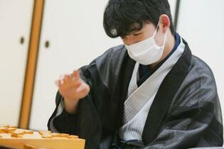 藤井聡太七段が最年少タイトル