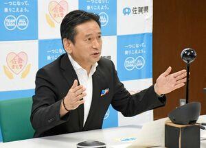 新型コロナウイルスのワクチン供給などについて要望した山口祥義知事=佐賀県庁