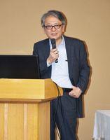 国内経済を展望し、雇用の在り方を解説した早川英男氏=嬉野市の大正屋
