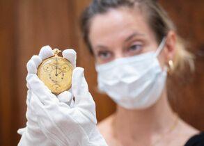 英国王の金時計に2億円 老舗「ブ…