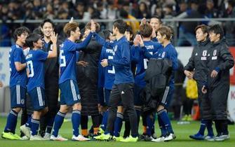 サッカー、日本が年内最終戦快勝