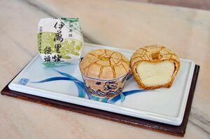 香り高い生地に白あんがたっぷり入った伊万里焼饅頭。上部の「かんにゅう」に独自の工夫が施されている