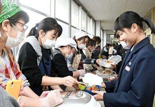 佐賀のニュース カツカレーで受験に「勝つ」