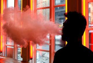 米LA、電子たばこの販売禁止へ
