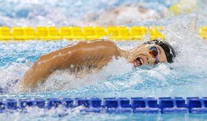 競泳男子400メートル自由形で金メダルの吉田啓祐=ナポリ(共同)