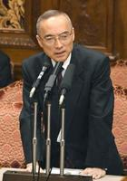 参院予算委で答弁する財務省の太田充理財局長=20日午前