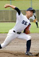 軟式野球2回戦・西部中-吉田中 力投を見せる西部中の馬郡世界=鹿島市民球場