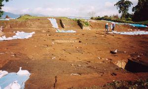 発掘当時の祭壇