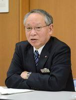 地銀再編について見解を述べた佐賀銀行の陣内芳博頭取=福岡市の佐賀銀行福岡本店