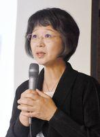 連絡協議会で講演する中谷加代子さん=佐賀市の県警本部