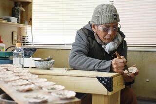 <佐賀豪雨から半年>新窯へ絵付け着々 陶芸家・福田知太さん(大町町)
