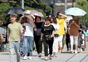 連日猛暑、熊谷で36・2度