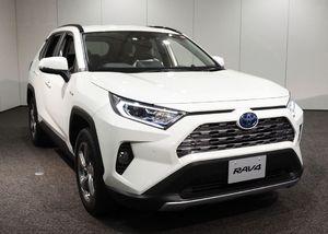 トヨタ自動車が発売したSUV「RAV4」の新型車=10日午後、愛知県長久手市
