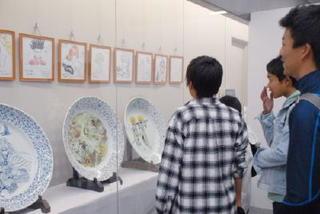 県内企業とのコラボ品展示 ロマンシング佐賀