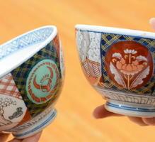 副島さんが使っている丼(右)は、かつて吉野家に出荷されていた丼と似ている