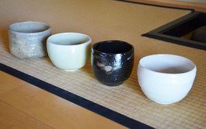 「茶盌十二カ月」シリーズ。右から「睦月」「如月」「皐月」「神無月」
