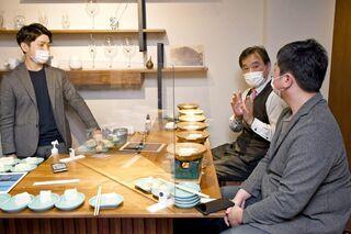 【動画】嬉野温泉「湯豆腐」食べ比べ 人気ユーチューバー、アルトゥルさんも登場