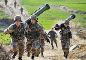 中国、国防白書で日米をけん制