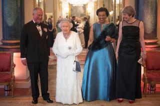エリザベス女王、92歳に