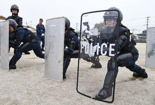 治安のとりでハードワーク! 記者が警察機動隊を一日体験