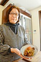 D-1グランプリで1位になったすきテキ丼と店の脇山美智子さん=唐津市中町のhanaはな家