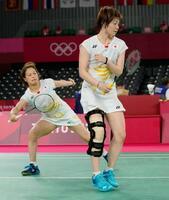 女子ダブルス準々決勝 中国ペアにポイントを奪われた福島由紀(左)、広田彩花組=武蔵野の森総合スポーツプラザ