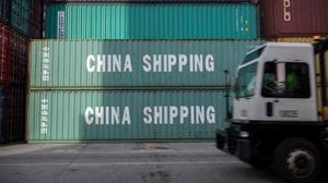 米ジョージア州サバナの港にあるコンテナ=7月5日(AP=共同)