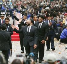 ラグビー日本代表が感謝のパレード