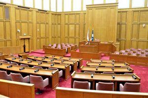 閉会中の佐賀県議会の議場。議会人事を決める5月の臨時議会が改選後初の議会になる=佐賀市